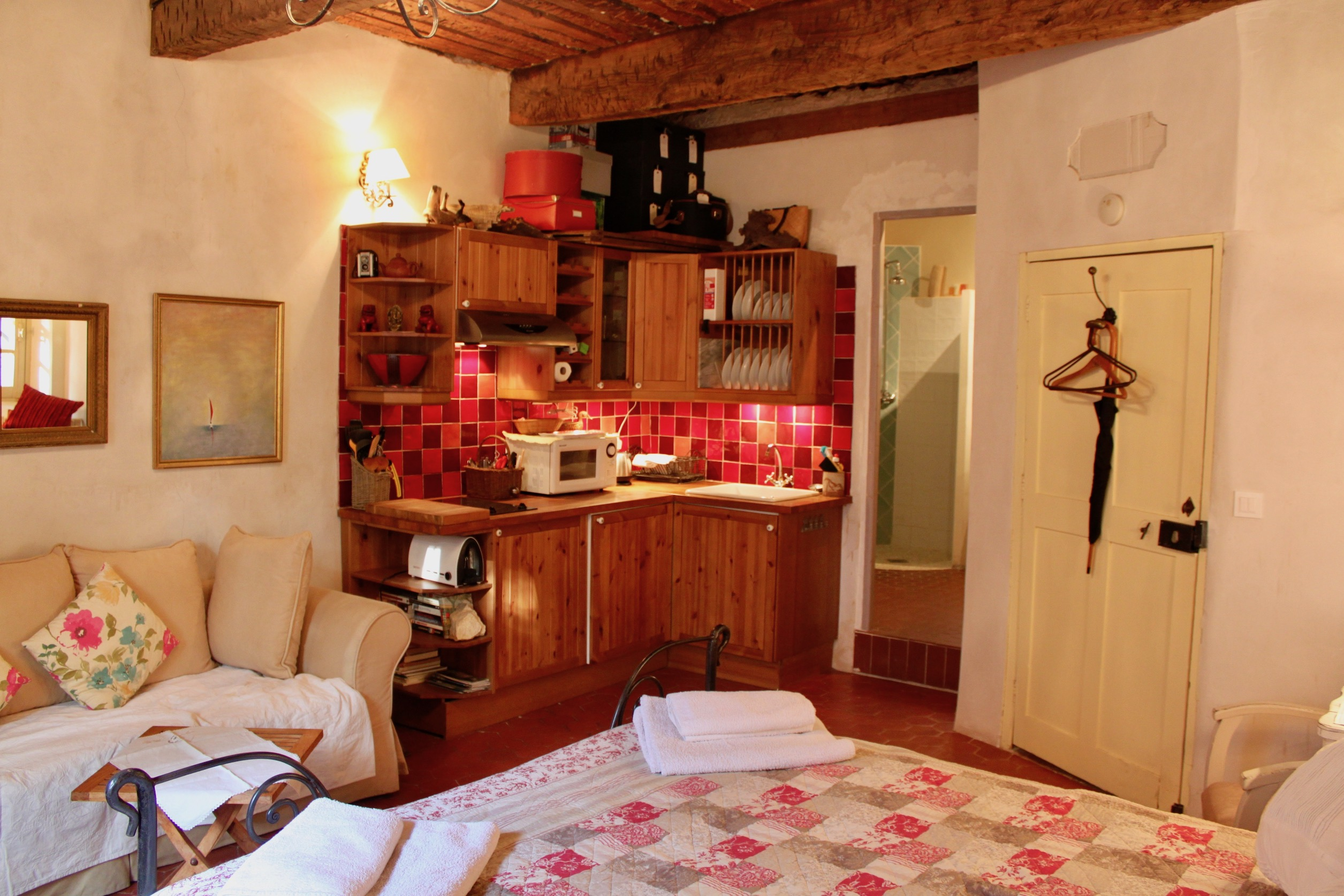 The studio is completely self contained with it's own kitchen and shower room